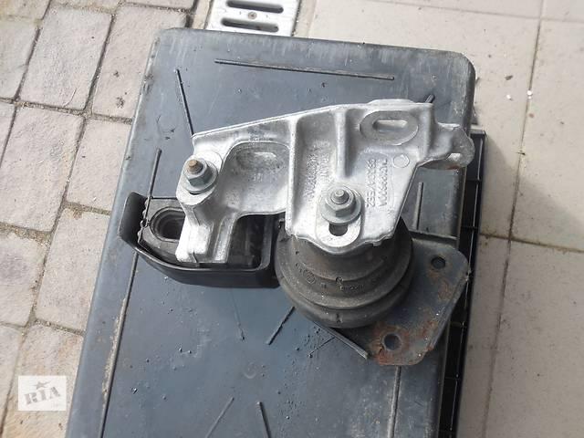 продам Подушка мотора для Volkswagen Sharan, 1.9tdi, 7M3199600A бу в Львове