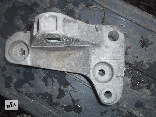 бу подушка мотора для Volkswagen T5, 2.5tdi, 2004, 7H0199207B в Львове