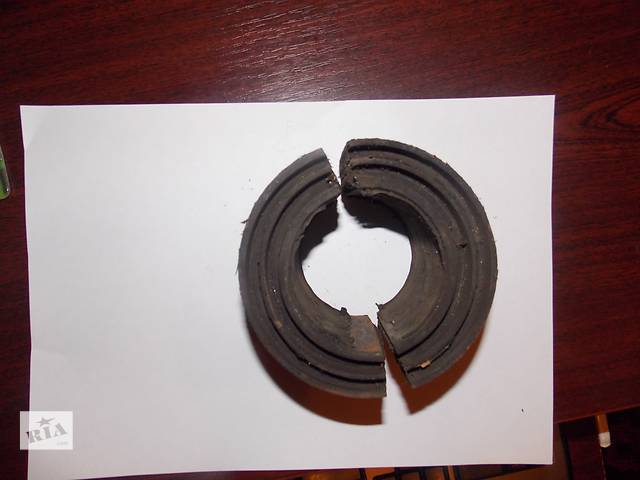 купить бу Подушка заднего стабилизатора(2шт), Mercedes(мерседес) 1827 в Верхнеднепровске
