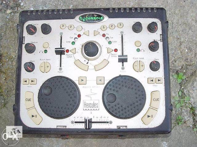бу Полупрофесййний USB 5.1 микшер Hercules DJ Console в Стрые