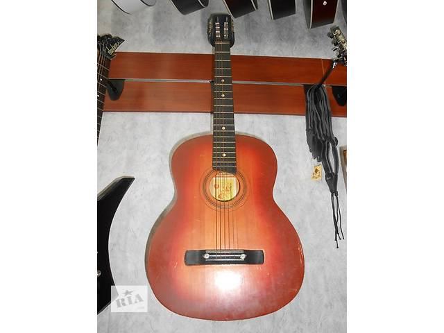 бу ( 1382 )  Прекрасная гитара и ее Видео Обзор черниговской музыкальной фабрики в отличнейшем состоянии! в Чернигове