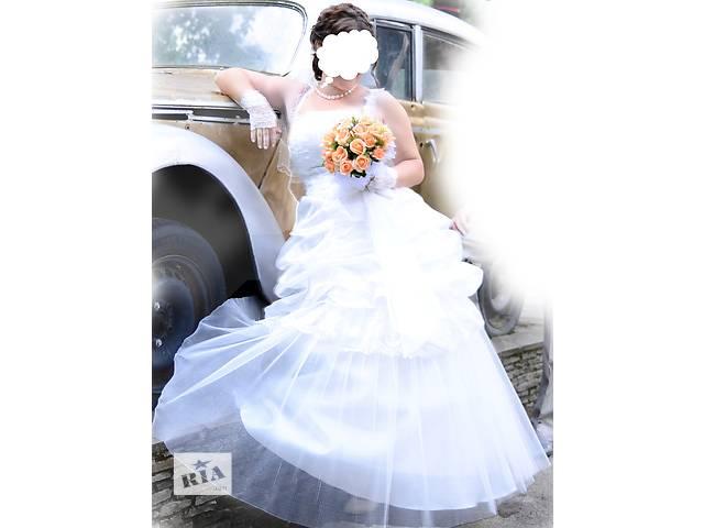 продам Прекрасное свадебное платье и перчатки в подарок бу в Виннице