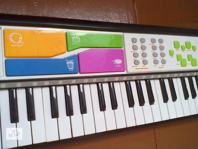 бу Продается синтезатор детский в Киеве