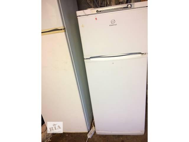 бу Продам б/у холодильник Indesit в Киеве