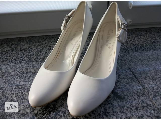 купить бу Продам белые туфельки в идеальном состоянии в Николаеве