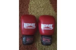 б/у Боксерские перчатки Reyvel