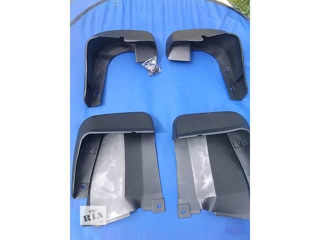 продам Продам брызговики Honda Civic хонда цивик сивик 4d. 08P09SNB600 и 08P08SNB600 Неоригинал, подходят по всем креплениям. бу в Ровно