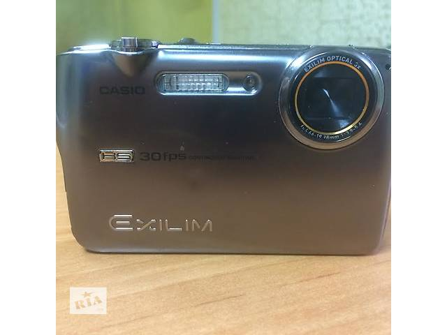 купить бу Продам Casio Exilim EX-FS10 в Киеве