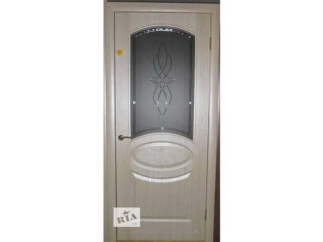 купить бу Продам дверь ТМ Новый Стиль Овал ПО + Р1(ясень) в Чернигове