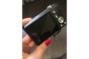 б/у Цифровые фотоаппараты Samsung ST60 Black