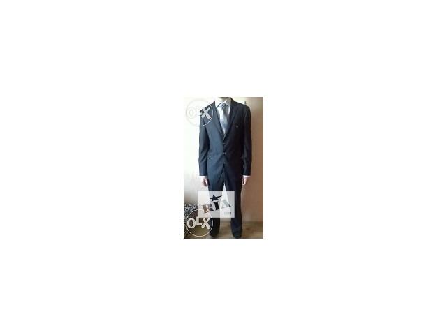 продам продам фирменный костюм бу в Джанкое