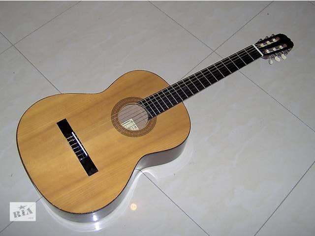 купить бу Продам классическую гитару Hohner HC-06 в Киеве
