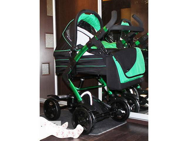 купить бу Продам коляску ABC Design 4 Tec 2 в 1, Avocado, цвет черный с зеленым (АБЦ Дизайн). в Киеве