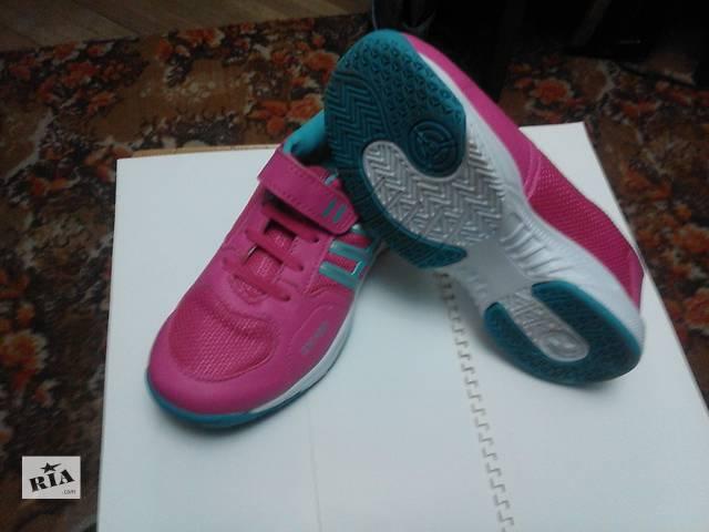 Продам кроссовки для девушки- объявление о продаже  в Львове