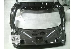 Новые Крышки багажника Toyota Prius