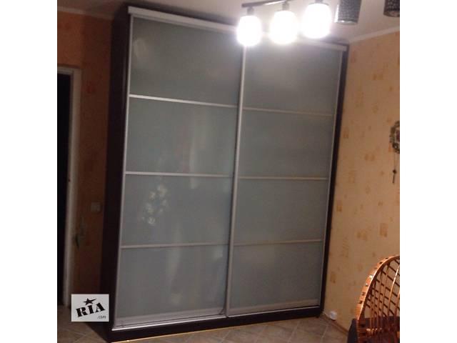 купить бу Продам мебель б/у (горка + шкаф купе) в отличном состоянии  в Киеве