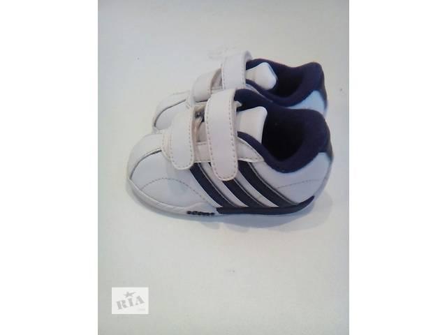 купить бу Продам кроссовки adidas 22 размер. в Киеве