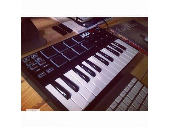бу Продам миди клавиатуру Akai MPK Mini в Киеве