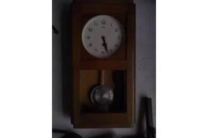Антикварні годинники настінні