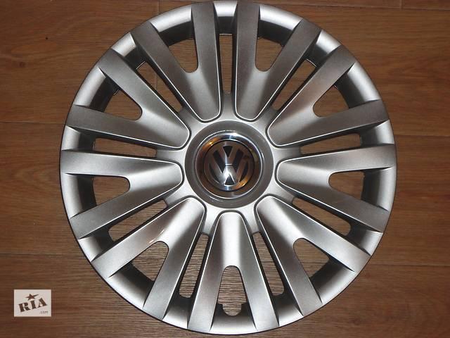 купить бу Продам Оригинальные колпаки на колеса Volkswagen Golf 6 R15 Фольксваген Гольф 6 R15 Оригинал 5K0 .601.147F в Киеве