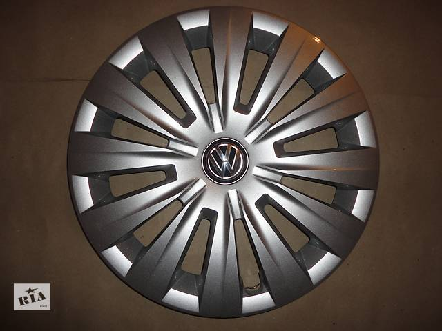 Продам Оригинальные колпаки на колеса Volkswagen Golf 7 R15 Фольксваген Гольф 7 R15 Оригинал 5G0 .601.147- объявление о продаже  в Киеве