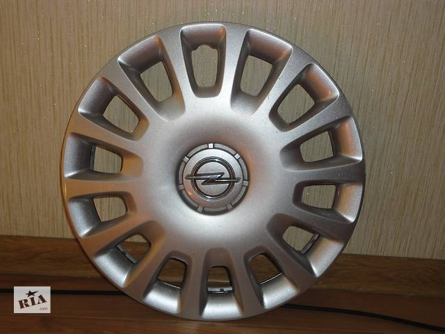 купить бу Продам Оригинальные колпаки на Opel Corsa r14 Опель Корса r14 Оригинал 13211852 РЕ в Киеве