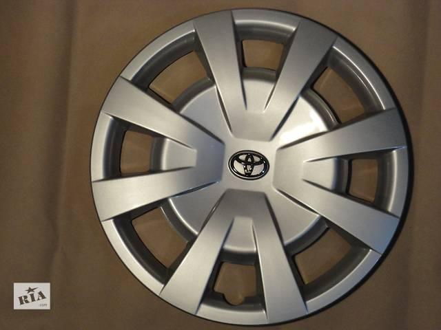 купить бу Продам Оригинальные колпаки Toyota Avalon Тойота Авалон R16 Оригинал 42602-05141 в Киеве