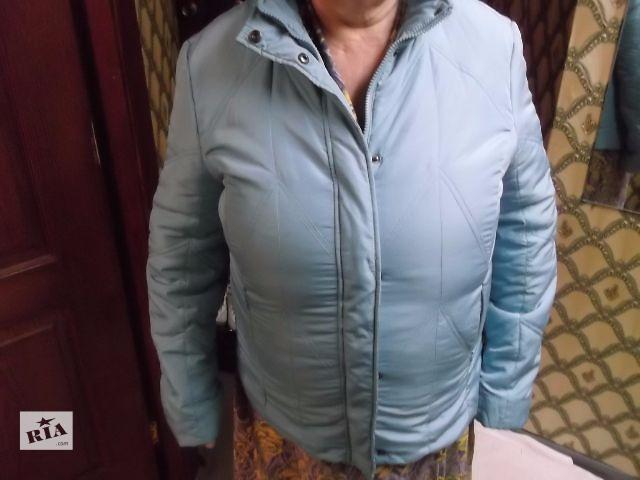 продам Продам осеннюю куртку в отличном состоянии. бу в Киеве