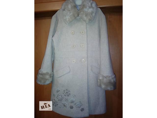 Продам пальто на девочку 6-7лет- объявление о продаже  в Луганске