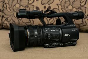 б/у Профессиональные видеокамеры Sony HDR-FX1000E