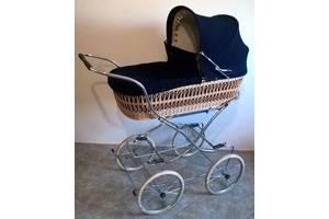 Класичні дитячі коляски