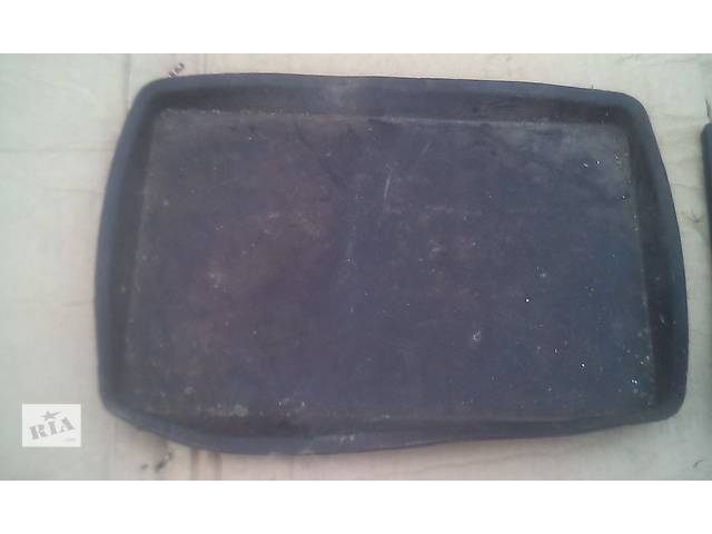 продам Продам резиновый коврик под аккумулятор ! бу в Запорожье