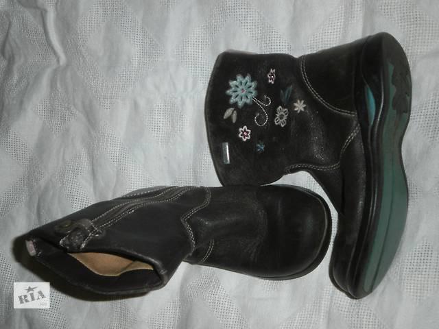 бу Продам сапожки демисезонные Clarks,на девочку размер 27 в Харькове