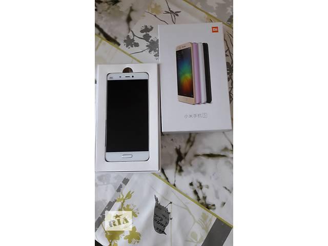 продам Продам Смартфон  Xiaomi Mi5 32Гб  в белом цвете. бу в Верхнеднепровске