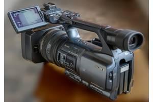 б/у Профессиональные видеокамеры Sony DCR-VX2200E