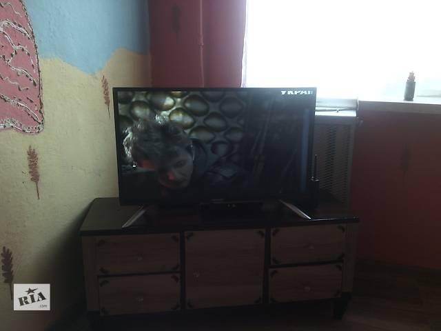 бу Продам срочьно новый телевизор лёд 32.Стоял без дела.Пару раз смотрели.Ему 4месяца.Гарантия есть на 1,5года ещё. в Киеве