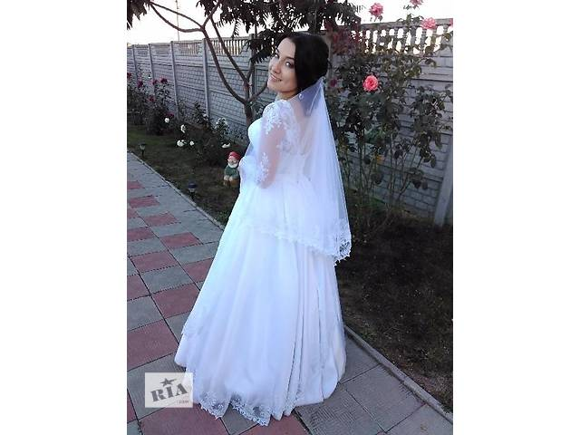 купить бу Продам срочно свадебное платье 44 размера!!! в Полтаве