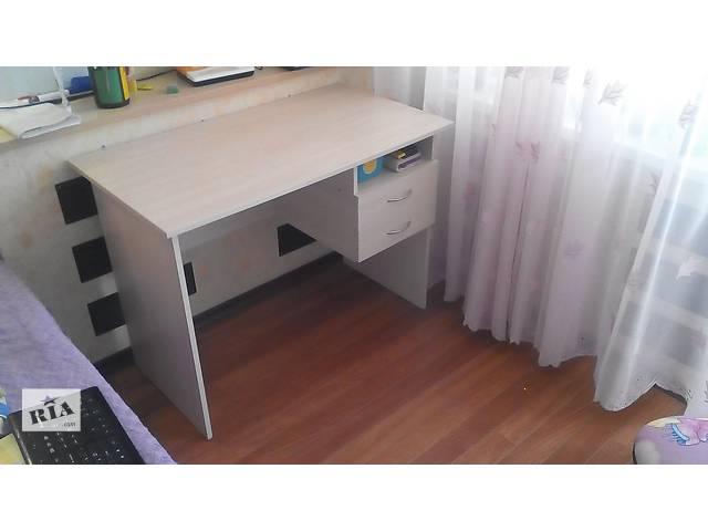 продам Продам стол письменный,полку книжную. бу в Запорожье