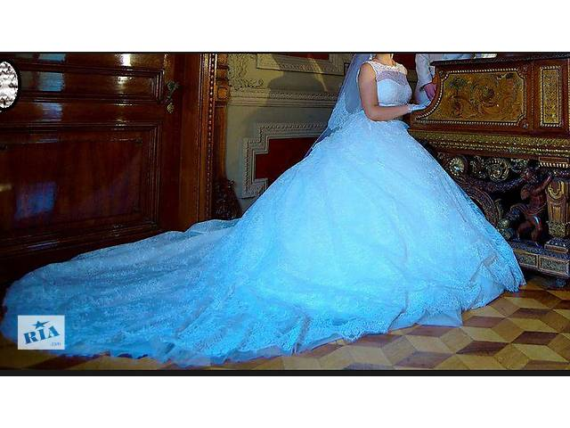 продам Продам Свадебное платье со шлейфом бу в Одессе