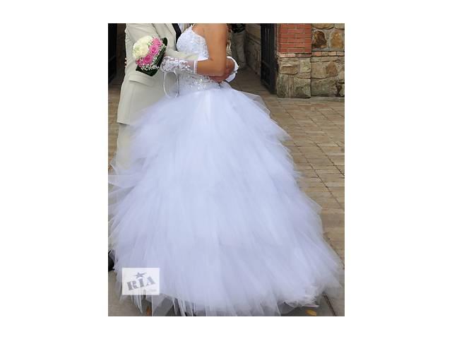 Продам свадебное платье- объявление о продаже  в Рубежном (Луганской обл.)