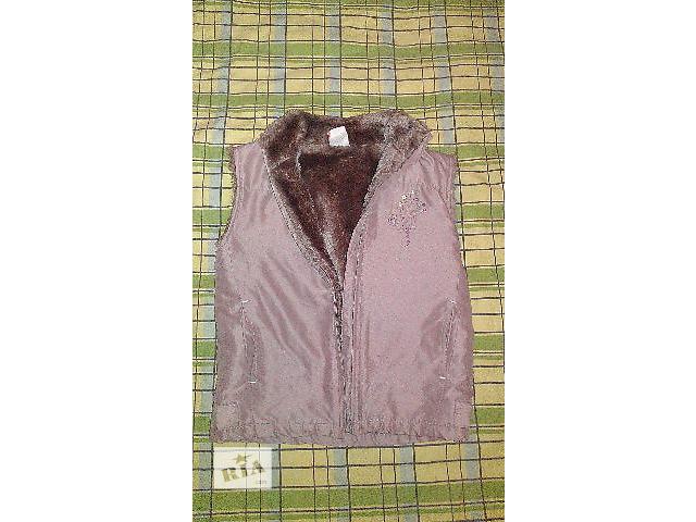 Продам теплую жилетку для девочки, на 4-6 лет.- объявление о продаже  в Киеве