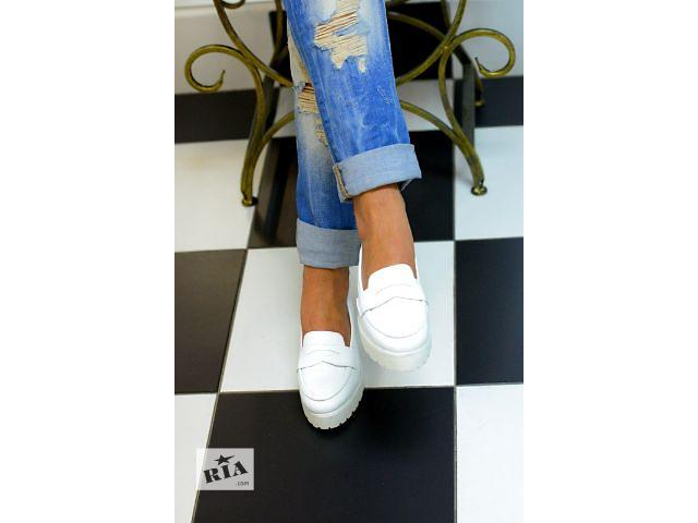 купить бу Продам туфли Слипоны белый лак 37й размер в Белой Церкви (Киевской обл.)