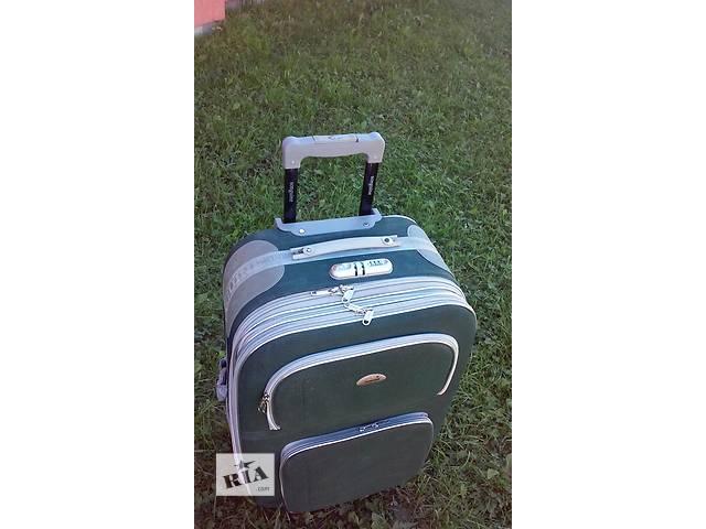 купить бу Продам чемодан на колесиках. в Калуше