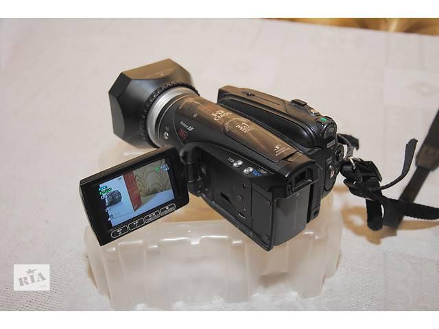 продам Продам видеокамеру Canon HV30 бу в Козельце