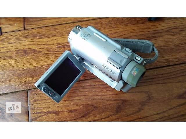 Продам видеокамеру Sony Handycam DCR-HC30E- объявление о продаже  в Шепетовке