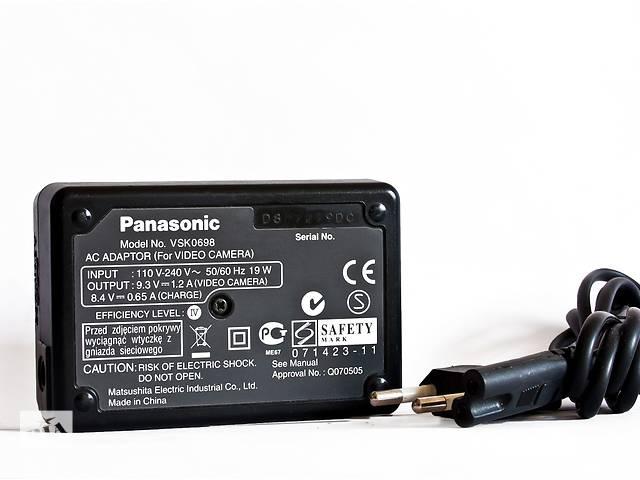 купить бу Продам зарядное устройство для видеокамер «PANASONIC VSK 0698 » в отличном состоянии. в Одессе