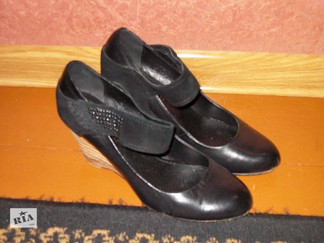 продам продам женские кожаные туфли на каблуках танкетка бу в Хмельницком