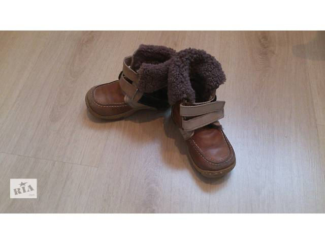 купить бу Продам зимние ботиночки на мальчика р.25 в Киеве