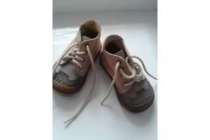 Новые Детские осенние ботинки Bartek