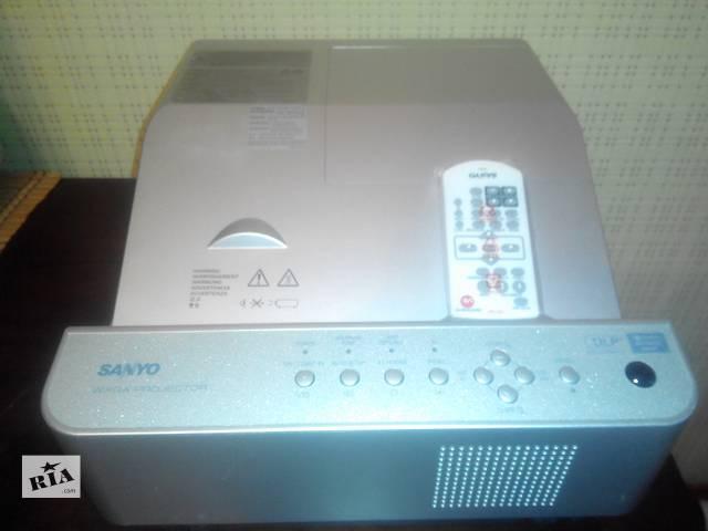 Продам проектор Sanyo PDG DWL2500, HD + 3D- объявление о продаже  в Харькове